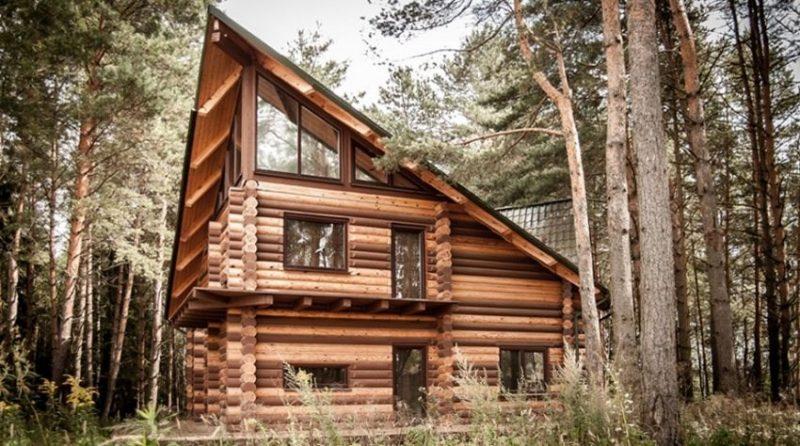 Красивый дом в лесу